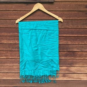 Accessories - Turquoise Silky Kaftan